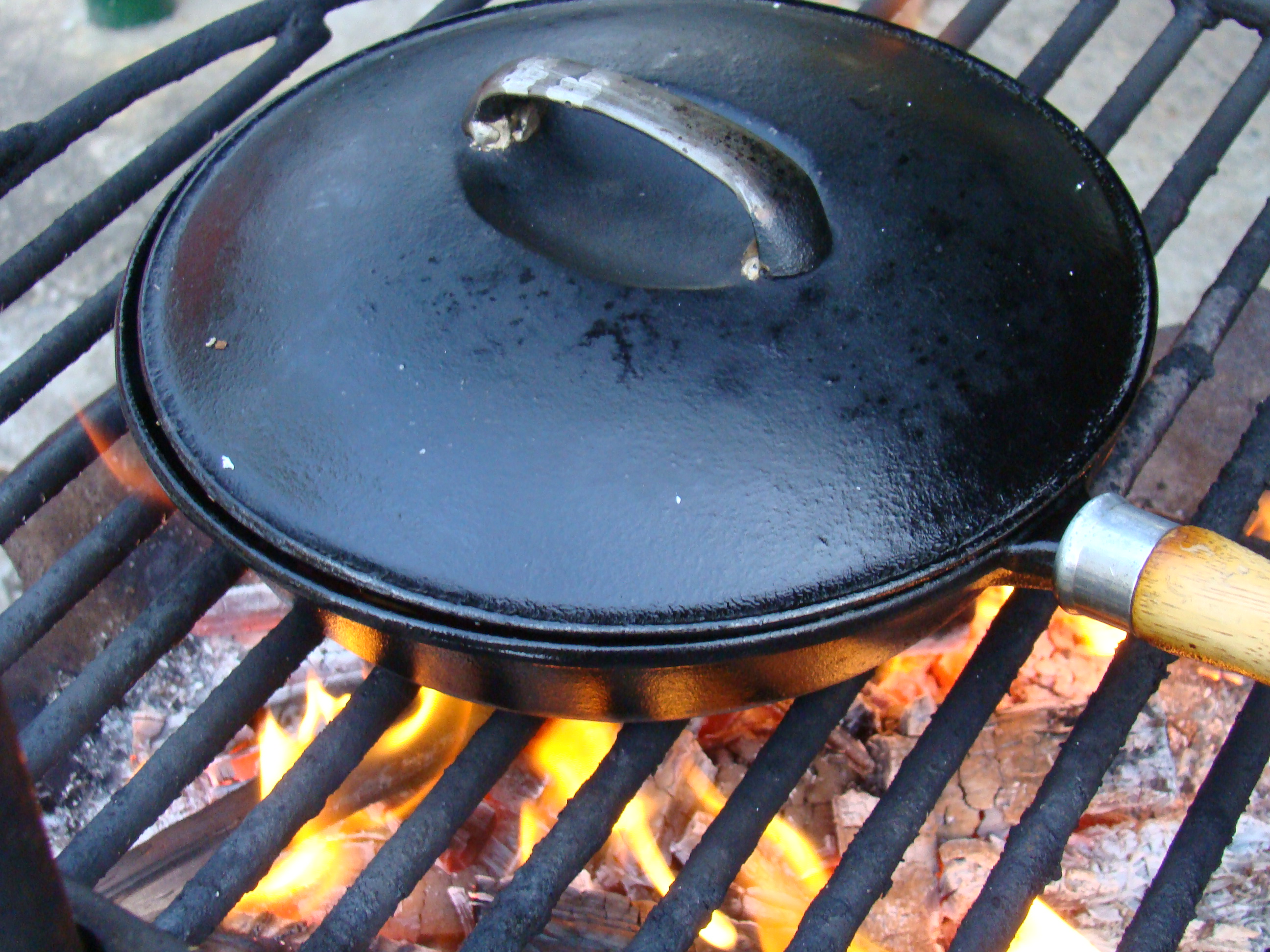 Pizza in a Pan on the Braai Fire | Fired Up Cooking SA
